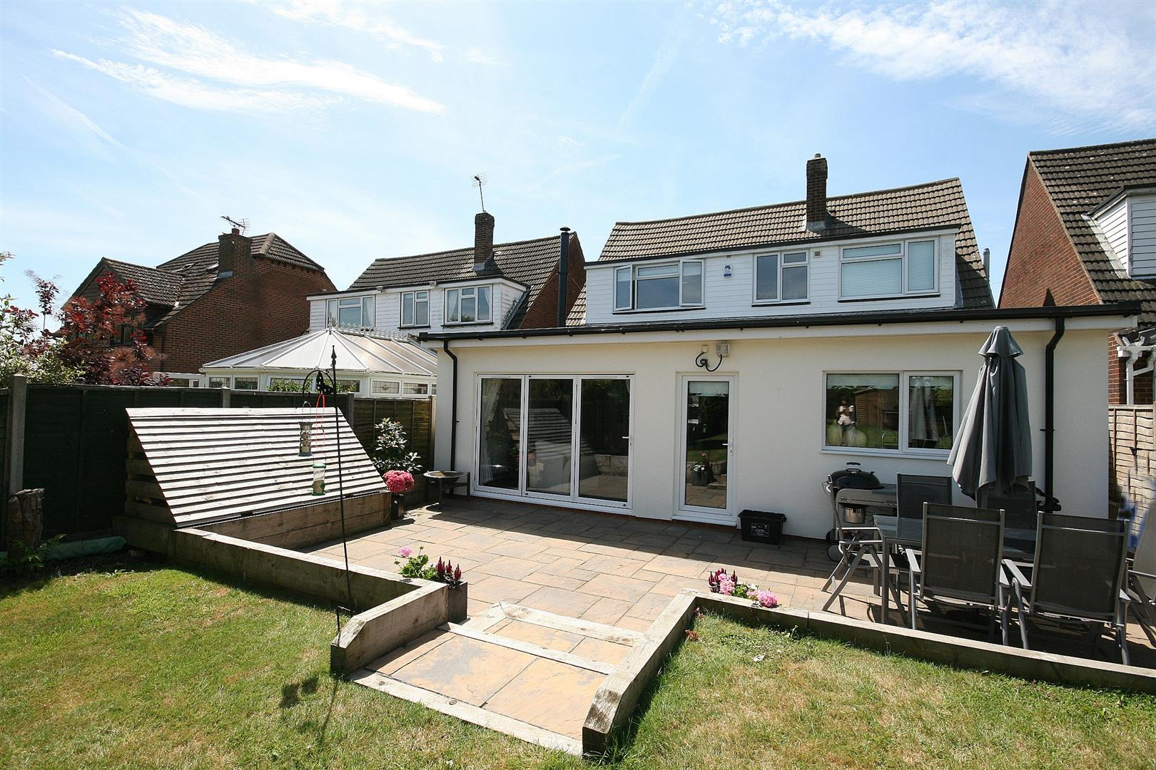 4 Bedrooms Detached House for sale in Dunstable Road, Tilsworth, Beds